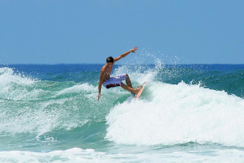 Village vacances à thème surf au Pays Basque : découvrez les joies de la glisse !