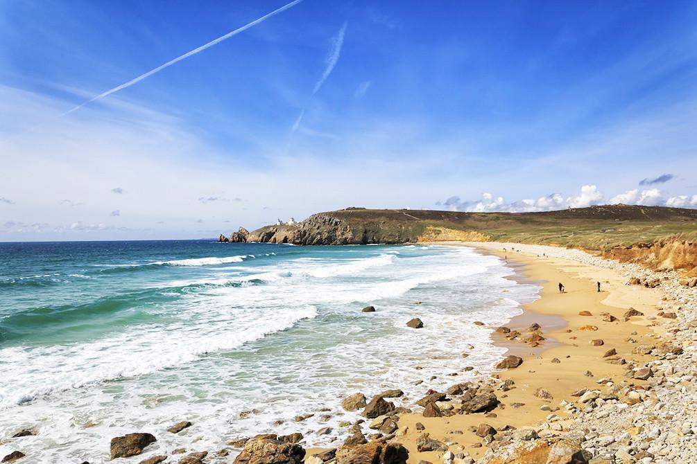 https://www.azureva-vacances.com/media/cache/village_slider/uploads/portfolio/5c9ce0073841e_vacances-plage-bretagne-tregunc.jpg