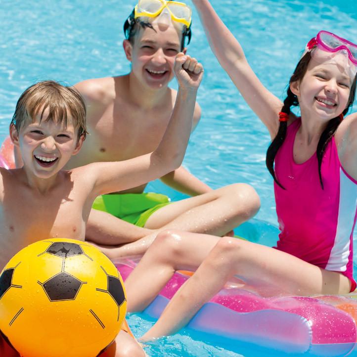 village vacances piscine la londe les maures