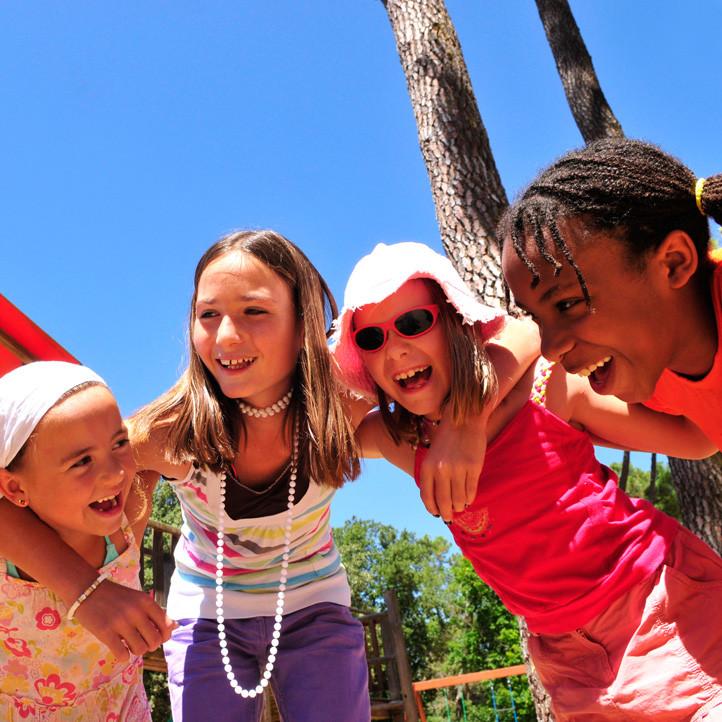 village vacances famille longeville sur mer club enfants moyens